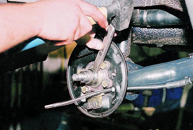 Правила замены подшипника задней ступицы на ВАЗ 2108,2110,2115 и их модификаций.