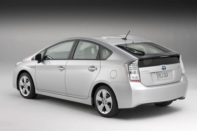 Toyota Prius фото