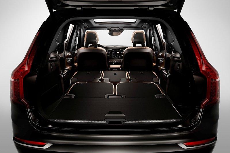 фото багажника Volvo XC90 2014-2015