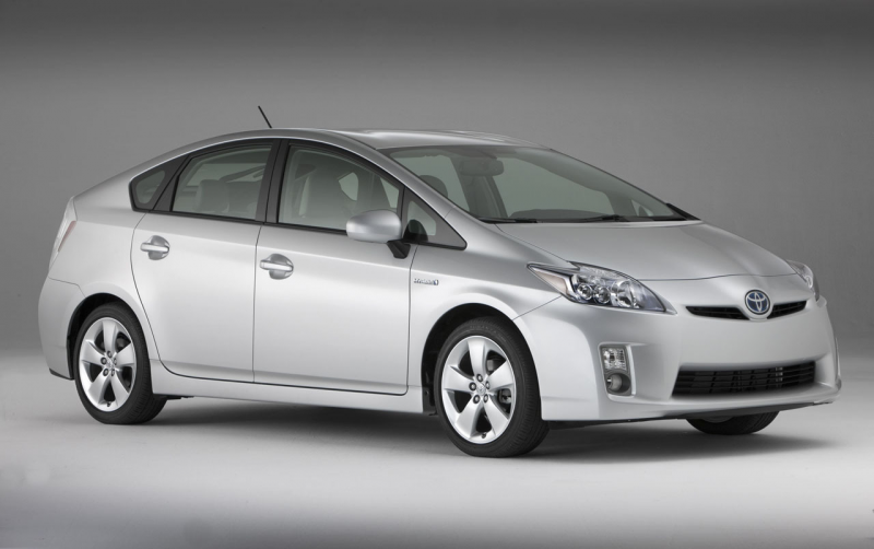 фото новой Toyota Prius