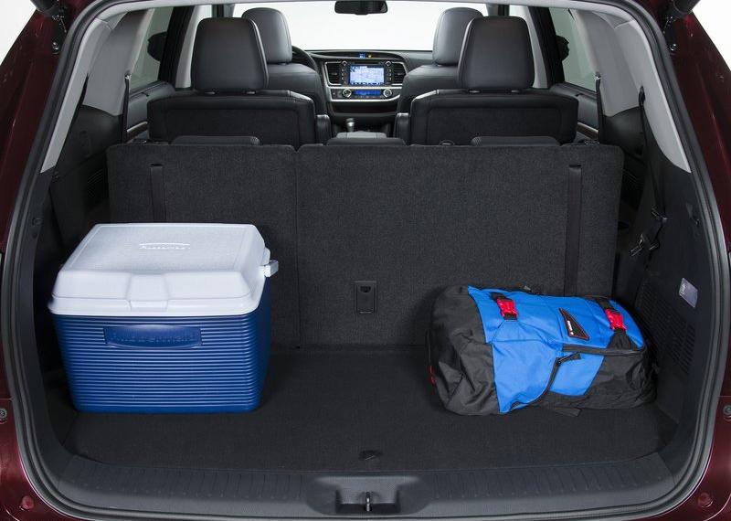 Toyota Highlander 2014-2015 - багажный отсек