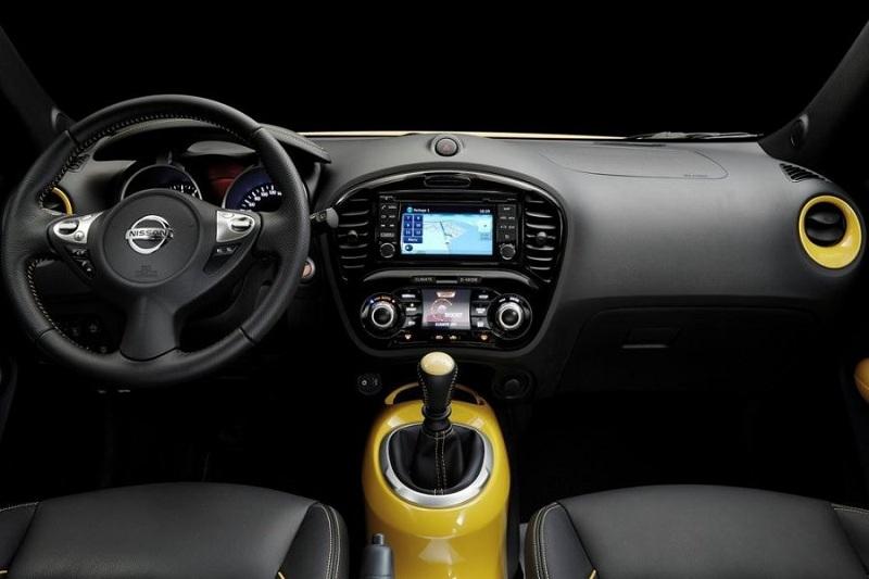 фото салона Nissan Juke 2015-2016