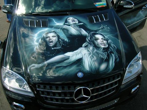 Аэрография на авто. Mercedes, вампирши.