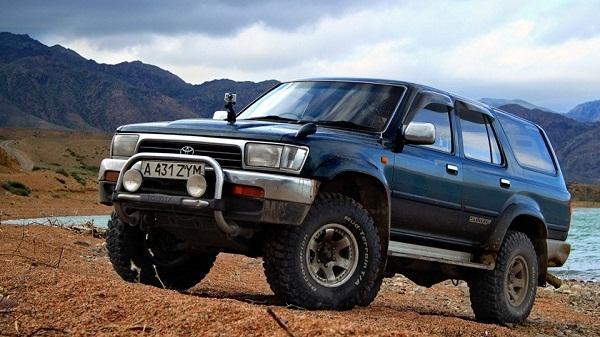 Toyota Hilux Surf фото