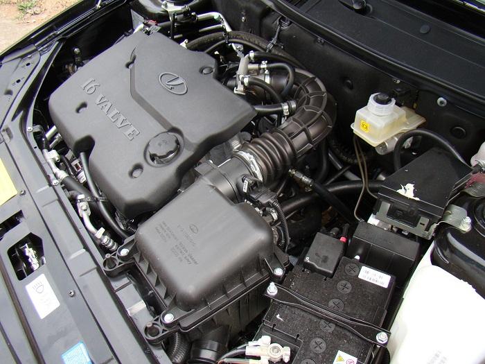 система охлаждения двигателя автомобиля на фото