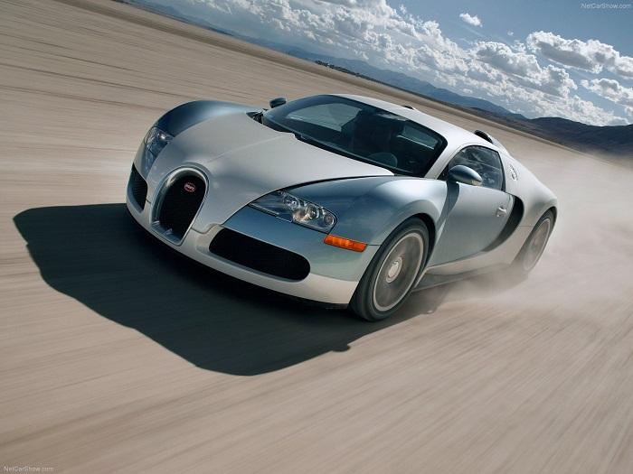 Bugatti Veyron (2005) фото