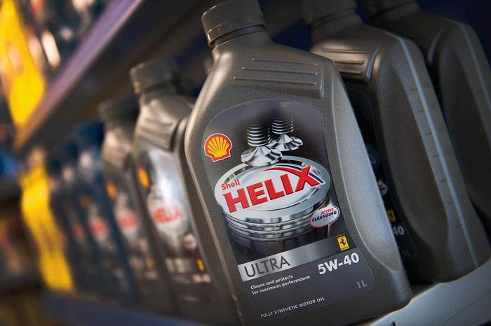 На фото масло Shell Helix Ultra 5w-40