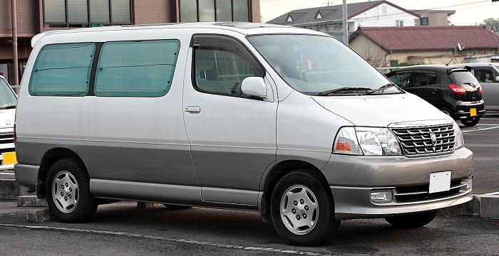 Toyota Grand Hiace фото