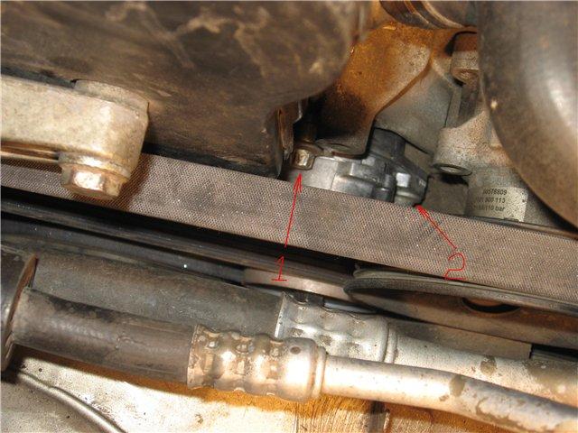 замена натяжителя ремня генератора на Opel Vectra фото