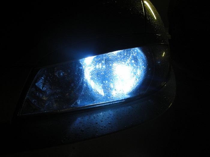 Лучшие галогеновые лампы H4, H7 для авто