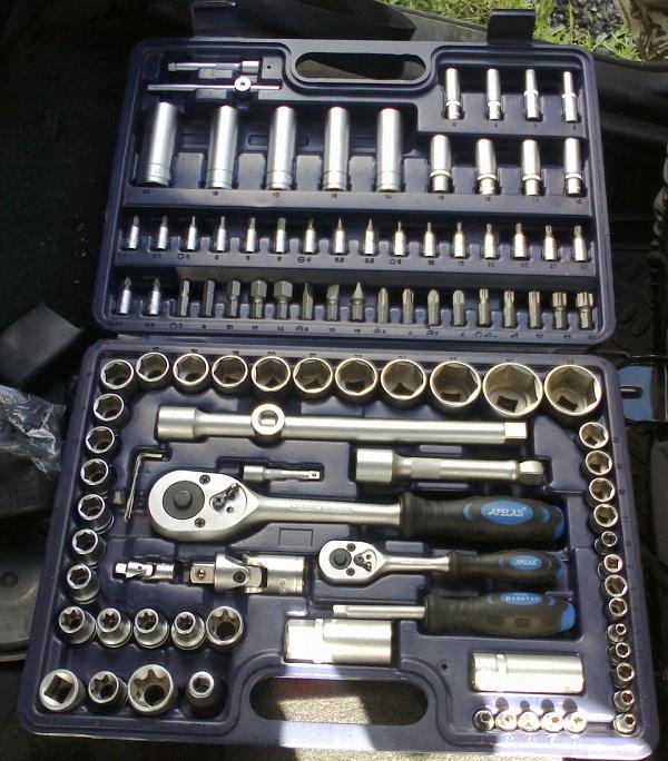 Лучшие наборы инструментов для авто