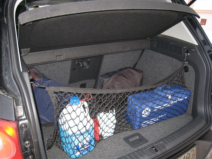 Сетка в багажник автомобиля: виды крепления и выбор