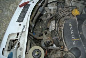 Процедура снятия и ремонта генератора на автомобиле Рено Логан 1.6
