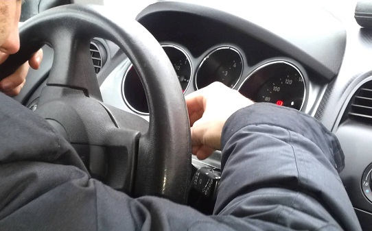 Разблокировка руля на машине без ключа зажигания: инструкция