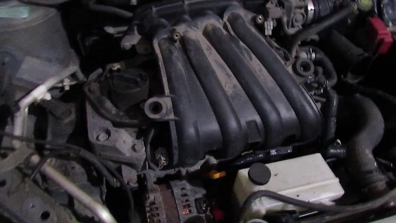 Ниссан Тиида HR16DE двигатель