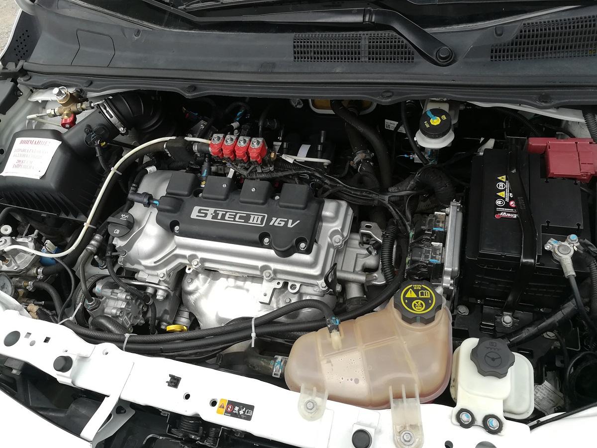 Шевроле Кобальт двигатель